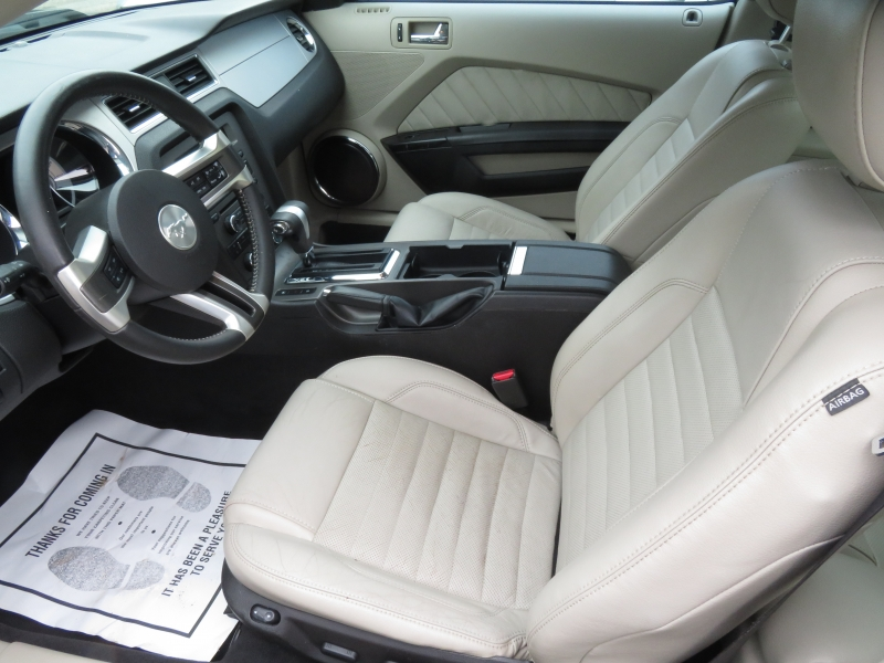 Ford Mustang 2010 price $5,995