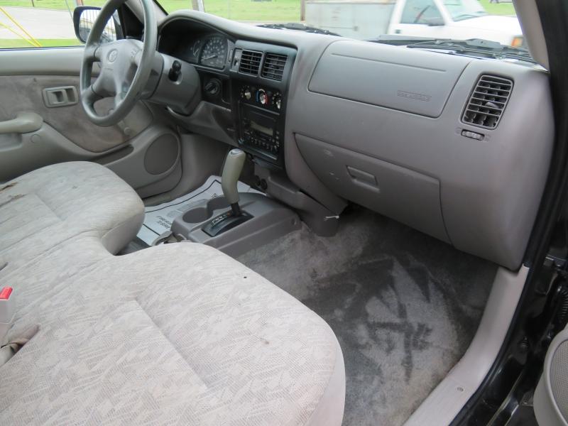 Toyota Tacoma 2001 price $4,999