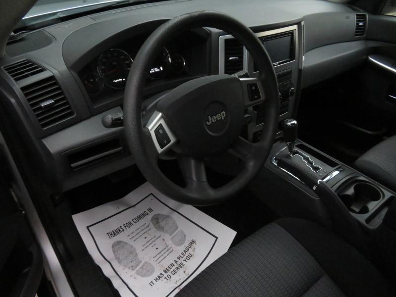 Jeep Grand Cherokee 2010 price $5,995