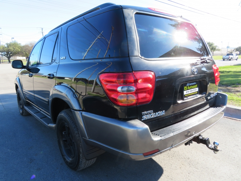 Toyota Sequoia 2004 price $3,999