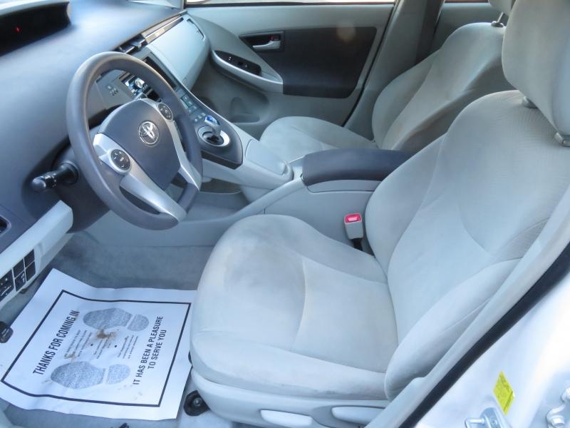 Toyota Prius 2011 price $5,995