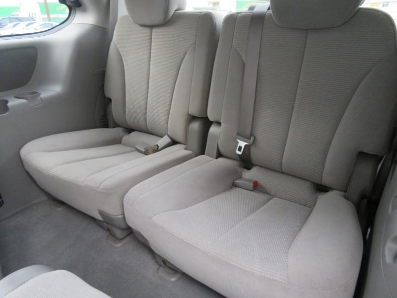 Kia Sedona 2007 price $3,999