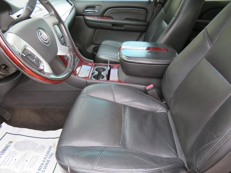 Cadillac Escalade 2008 price $7,850