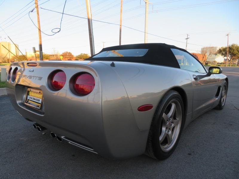 Chevrolet Corvette 2001 price $12,590