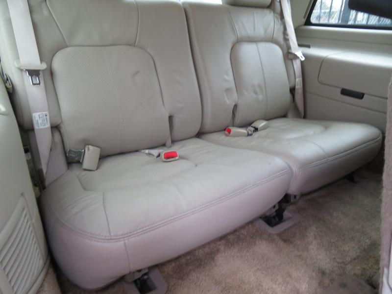 Cadillac Escalade 2002 price $5,490