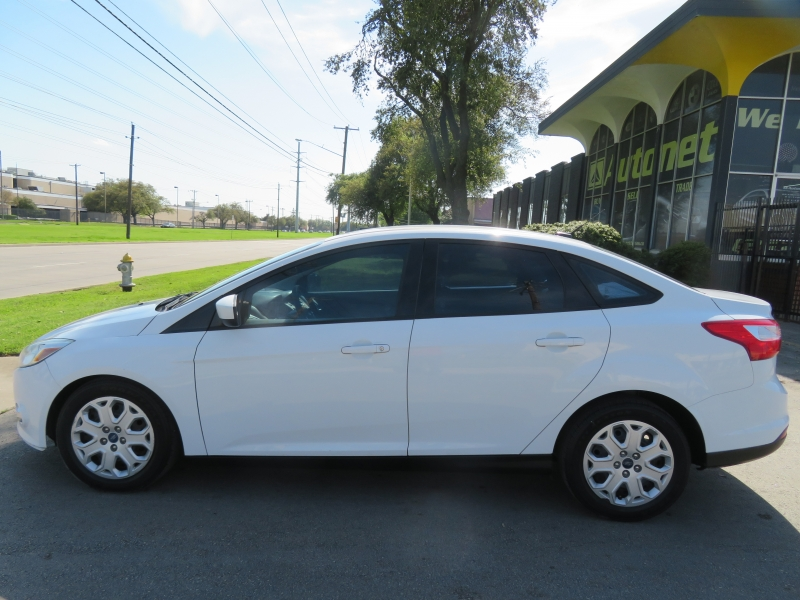 Ford Focus 2012 price $4,950