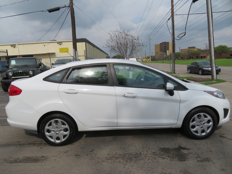 Ford Fiesta 2013 price $5,950