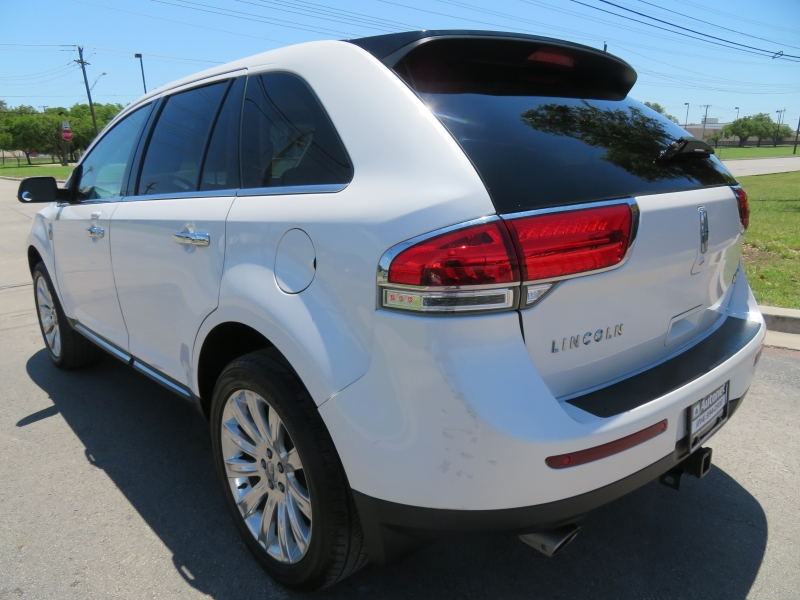 Lincoln MKX 2015 price $10,590