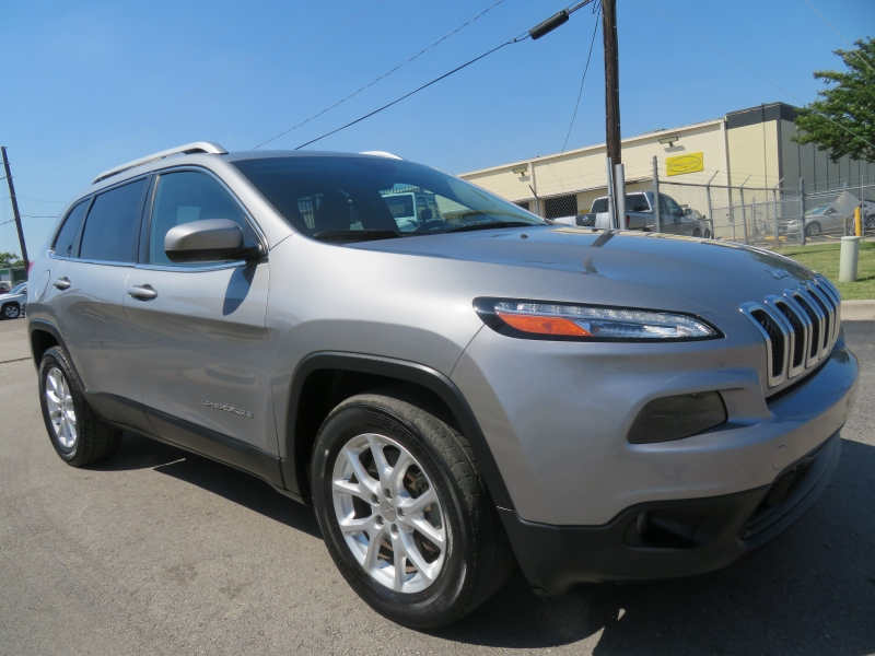 Jeep Cherokee 2015 price $10,980