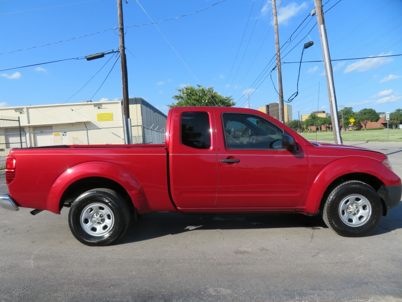 Nissan Frontier 2011 price $8,590