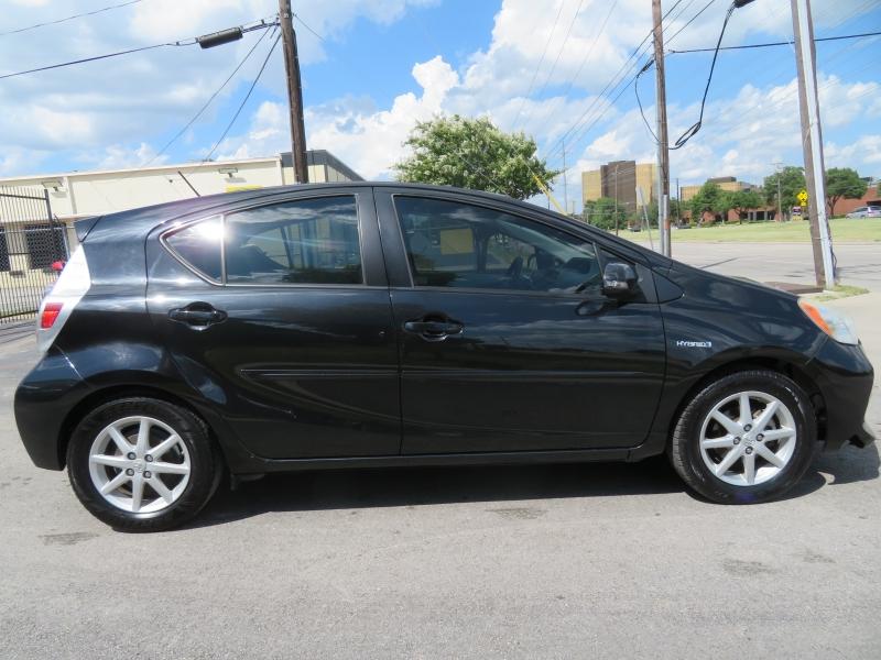 Toyota Prius c 2013 price $6,999