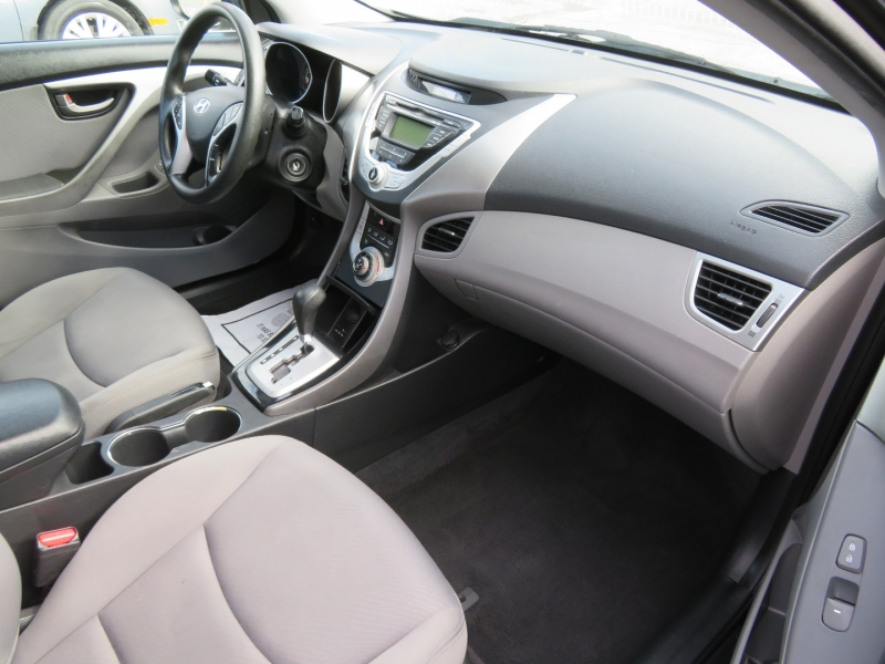 Hyundai Elantra 2011 price $5,995