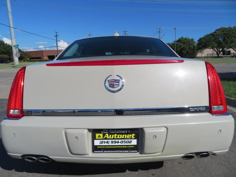 Cadillac DTS 2011 price $9,980