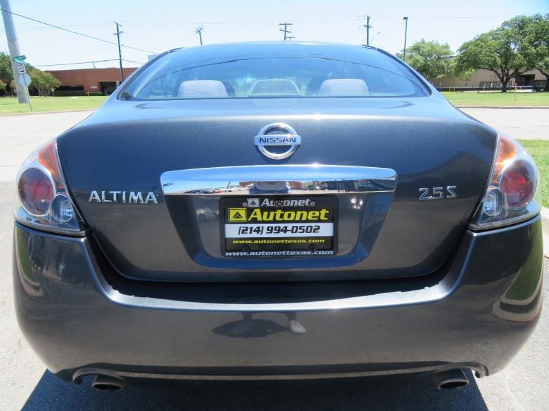 Nissan Altima 2011 price $3,980