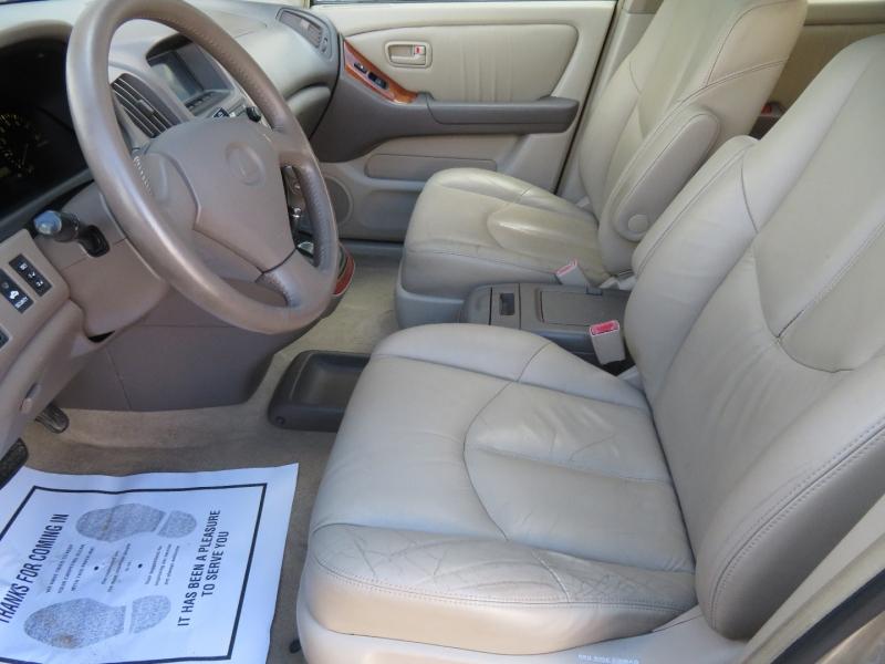 Lexus RX 300 2000 price $4,980