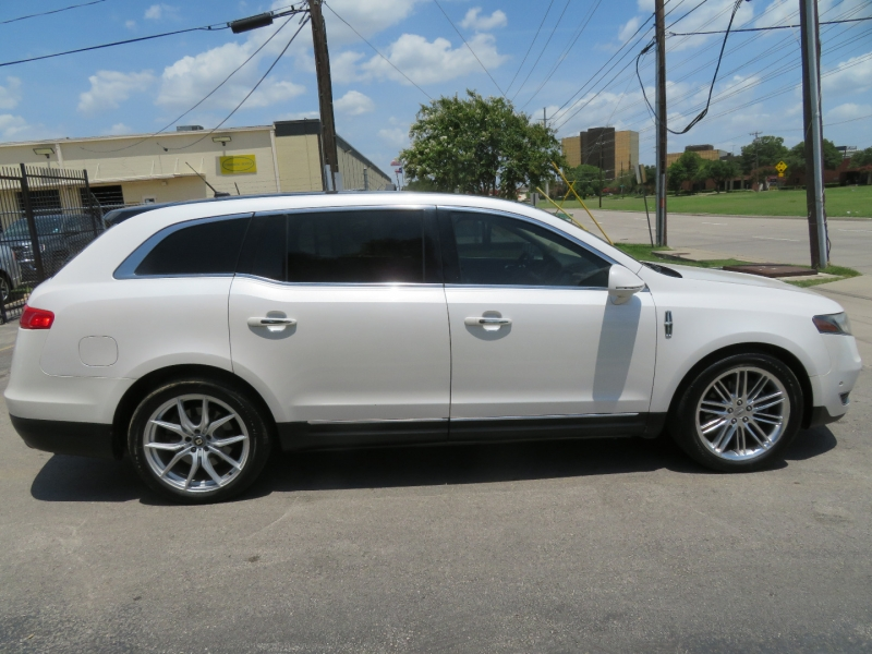 Lincoln MKT 2013 price $7,999
