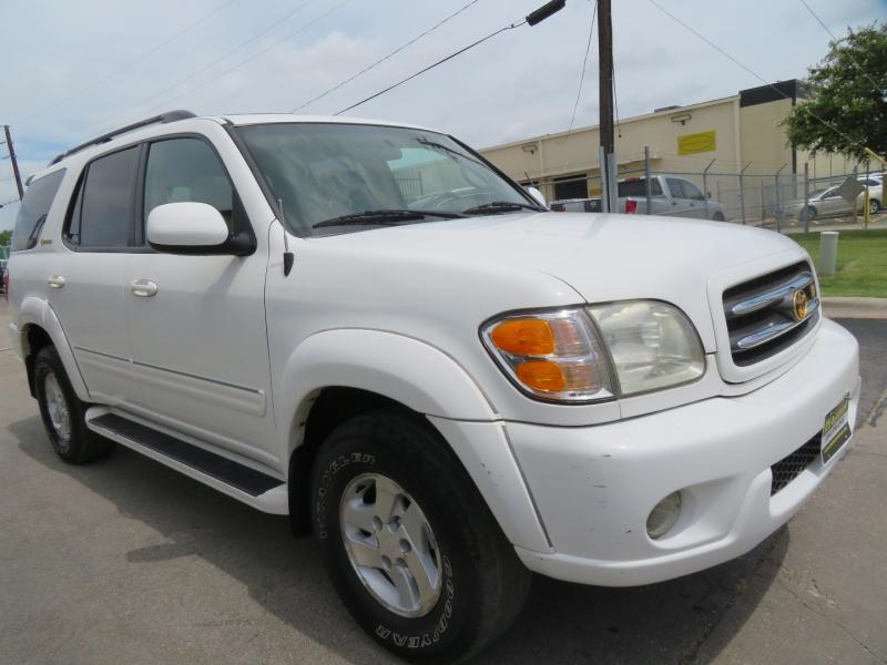 Toyota Sequoia 2001 price $5,490