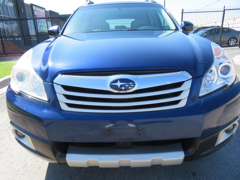Subaru Outback 2011 price $5,490