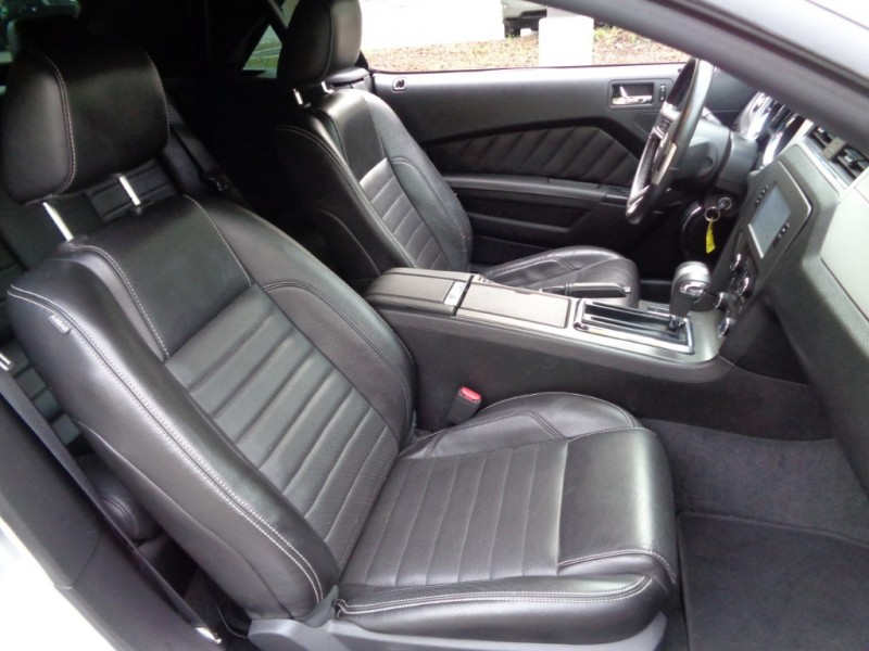 Ford Mustang 2011 price $16,500