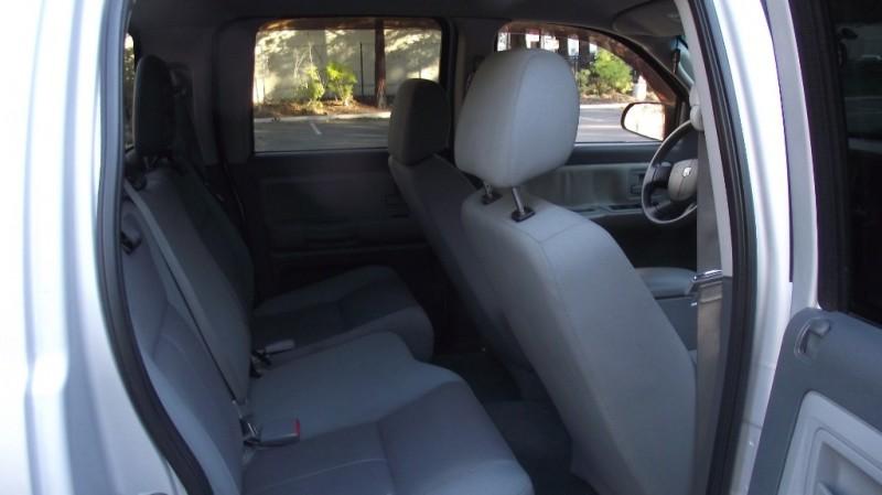 Dodge Dakota 2005 price $8,990