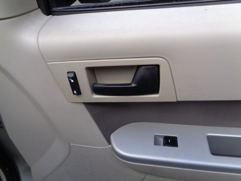 Ford Escape 2010 price $7,990