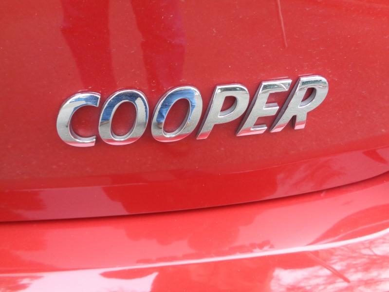 Mini Cooper Hardtop 2015 price $8,990