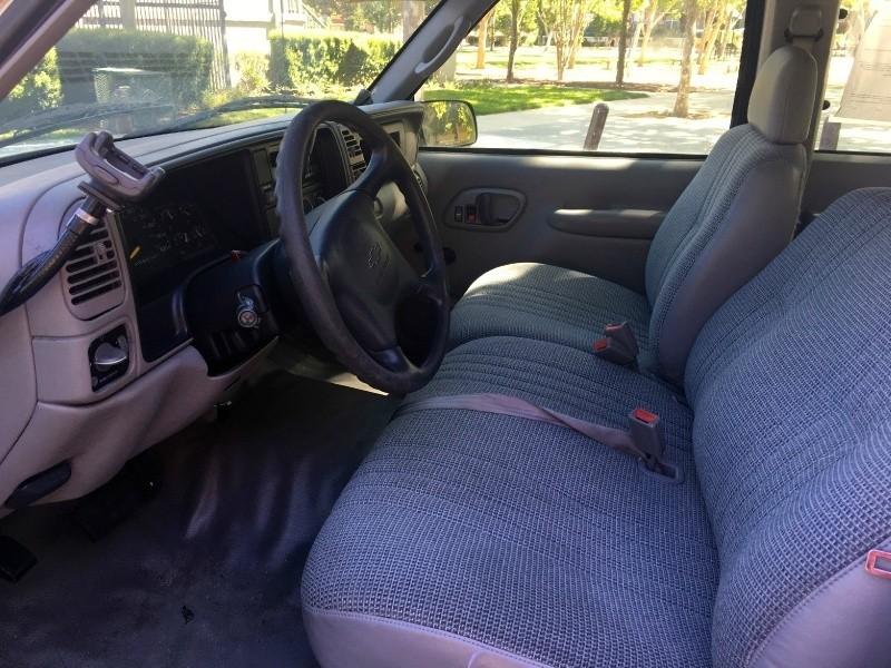 Chevrolet C/K 2500 2000 price $6,990