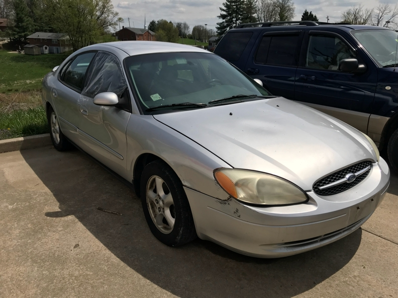 Ford Taurus 2003 price $1,999