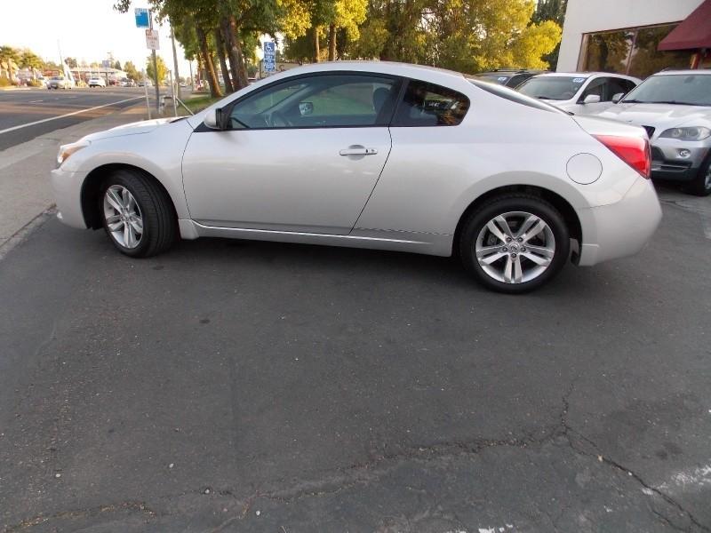 Nissan Altima Cpe 2.5 S 2013 price $6,998