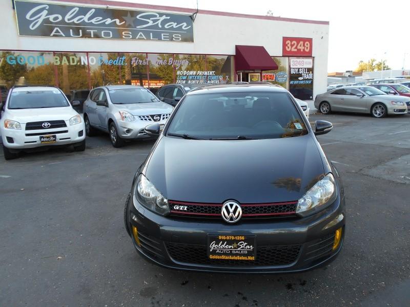 Volkswagen GTI w/Sunroof PZEV 2013 price $13,998