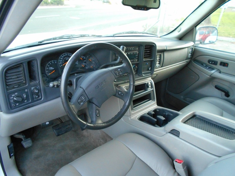 GMC Yukon SLT 2004 price $4,998