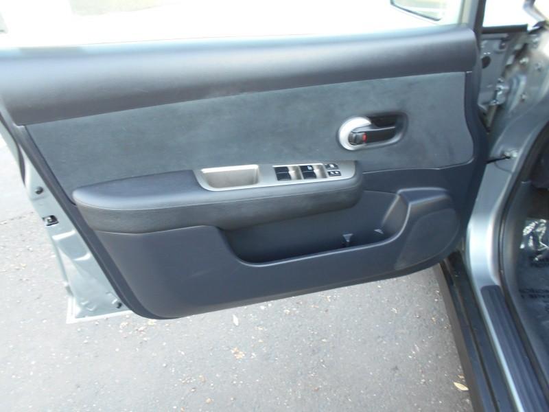 Nissan Versa HB Auto 1.8 S 2012 price $5,998