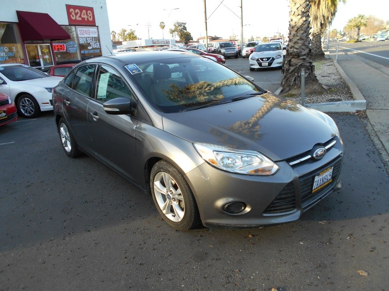 Ford Focus SE 2014 price $5,998