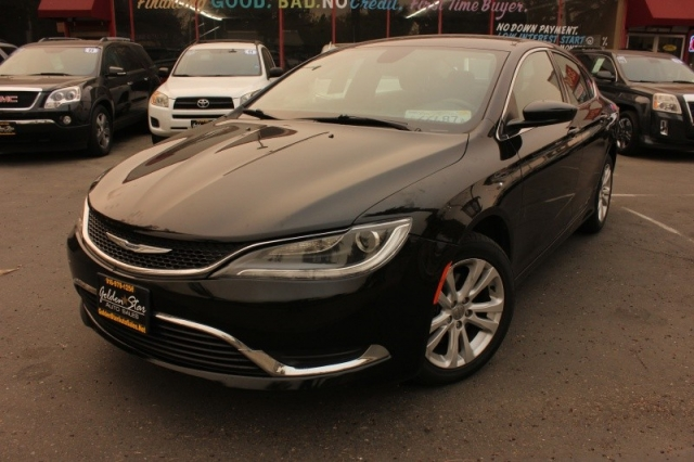 2015 Chrysler Chrysler 200 Limited FWD