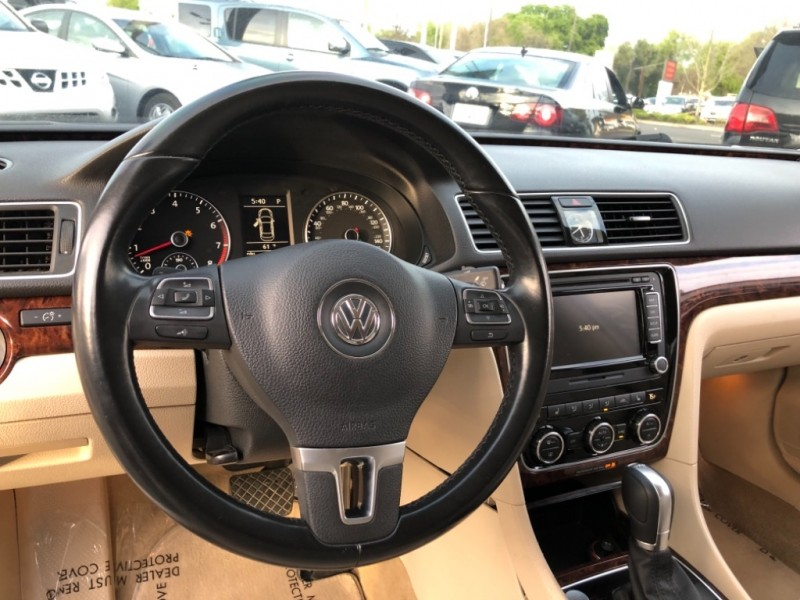 Volkswagen Passat 2012 price $8,998