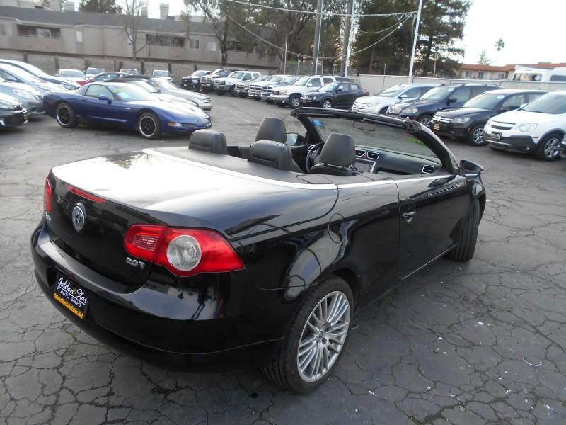 Volkswagen Eos Komfort SULEV 2011 price $7,998