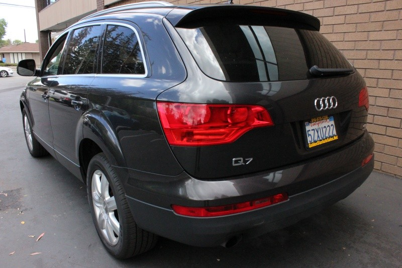 Audi Q7 3.6 quattro Premium AWD 2007 price $9,498