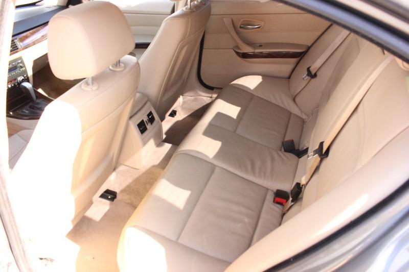 BMW 3 Series 328i Sedan RWD 2010 price $7,498
