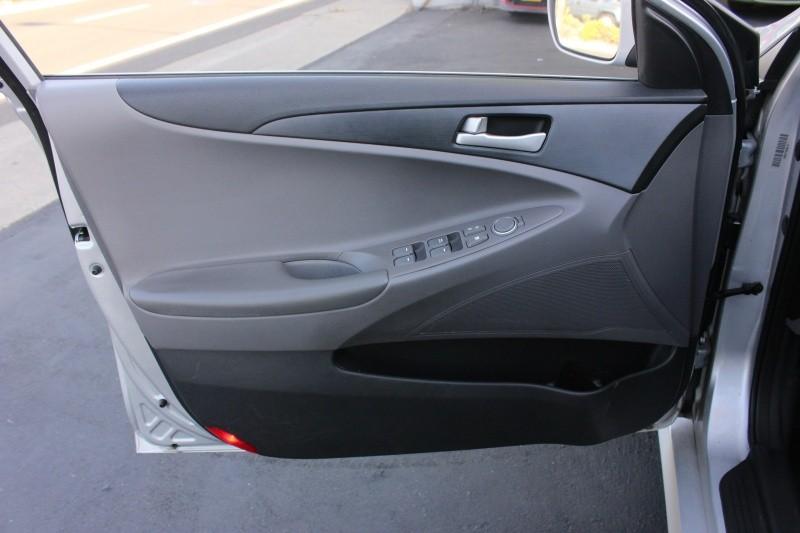 Hyundai Sonata 2.4L Auto GLS 2014 price $7,998