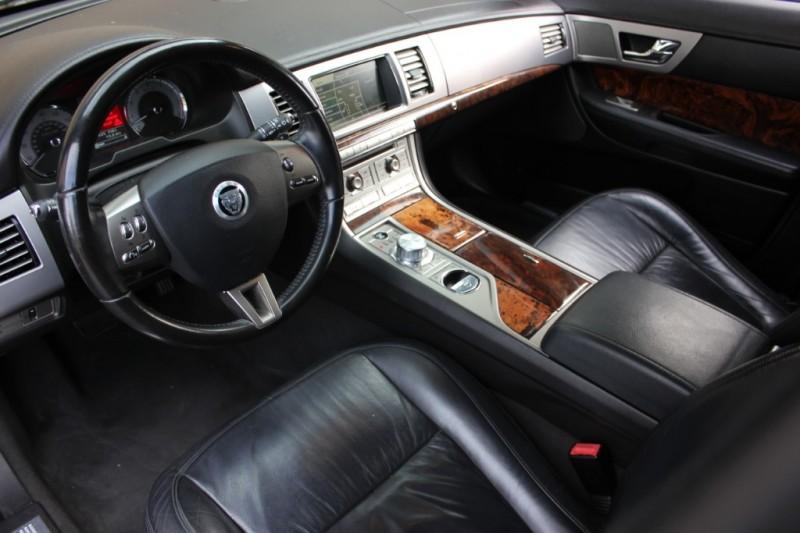 Jaguar XF Premium RWD 2011 price $11,495
