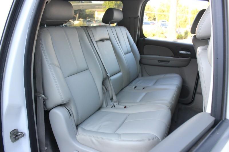 Chevrolet Suburban 1500 LT 4WD 2010 price $13,998