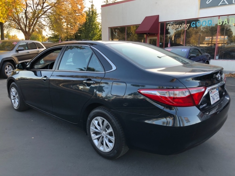 Toyota Camry LE 2016 price $12,698