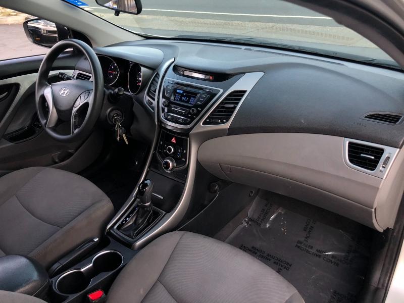 Hyundai Elantra SE Sedan FWD 2016 price $8,998