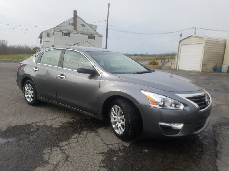 2014 nissan altima 4dr sdn i4 2 5 s inventory dan trinkles auto mall auto dealership in. Black Bedroom Furniture Sets. Home Design Ideas