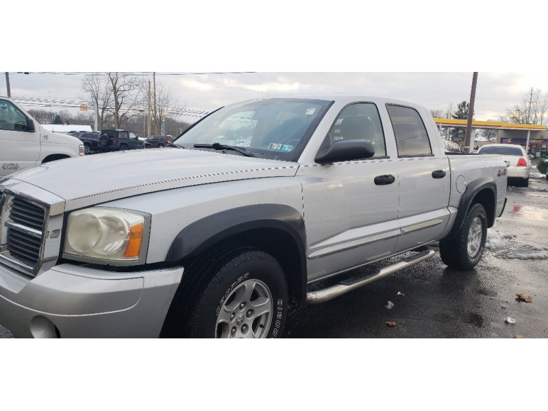 Dodge Dakota 2005 price $5,900