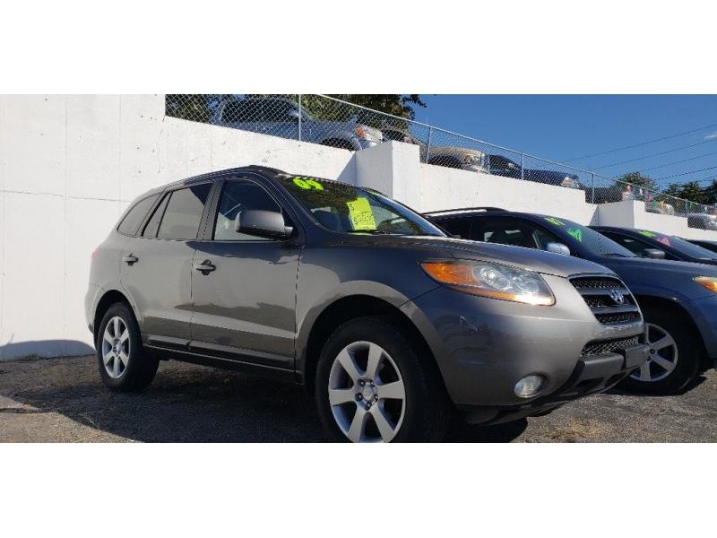Hyundai Santa Fe 2009 price $8,900