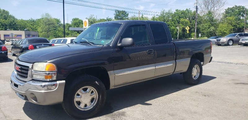 GMC Sierra 1500 2003 price $8,500