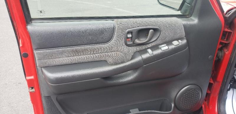 Chevrolet S-10 2002 price $6,500
