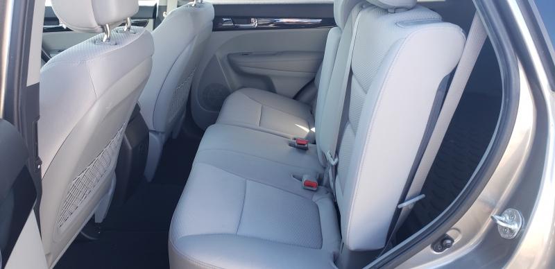 Kia Sorento 2011 price $9,500