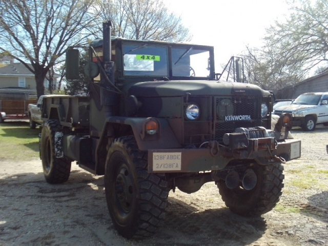 1971 JEEP M25A2 TRUCK BOBBED DEUCE AND HALF 2.5 TON
